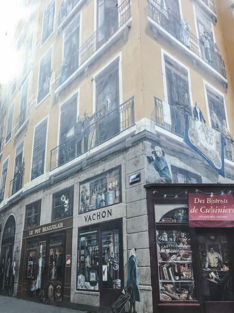 Fresque des Lyonnais is one of the many fresques, or huge murals, in Lyon, France