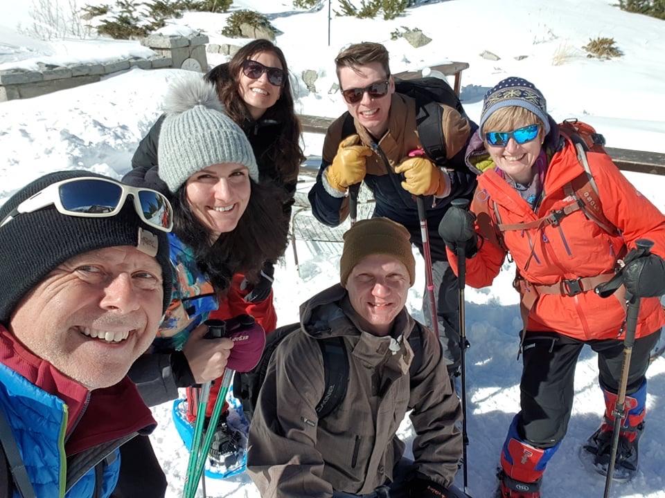6 people on a snowshoe hike with Uhuru Trekking in Bansko, Bulgaria in the Pirin Mountains with Uhuru Trekking