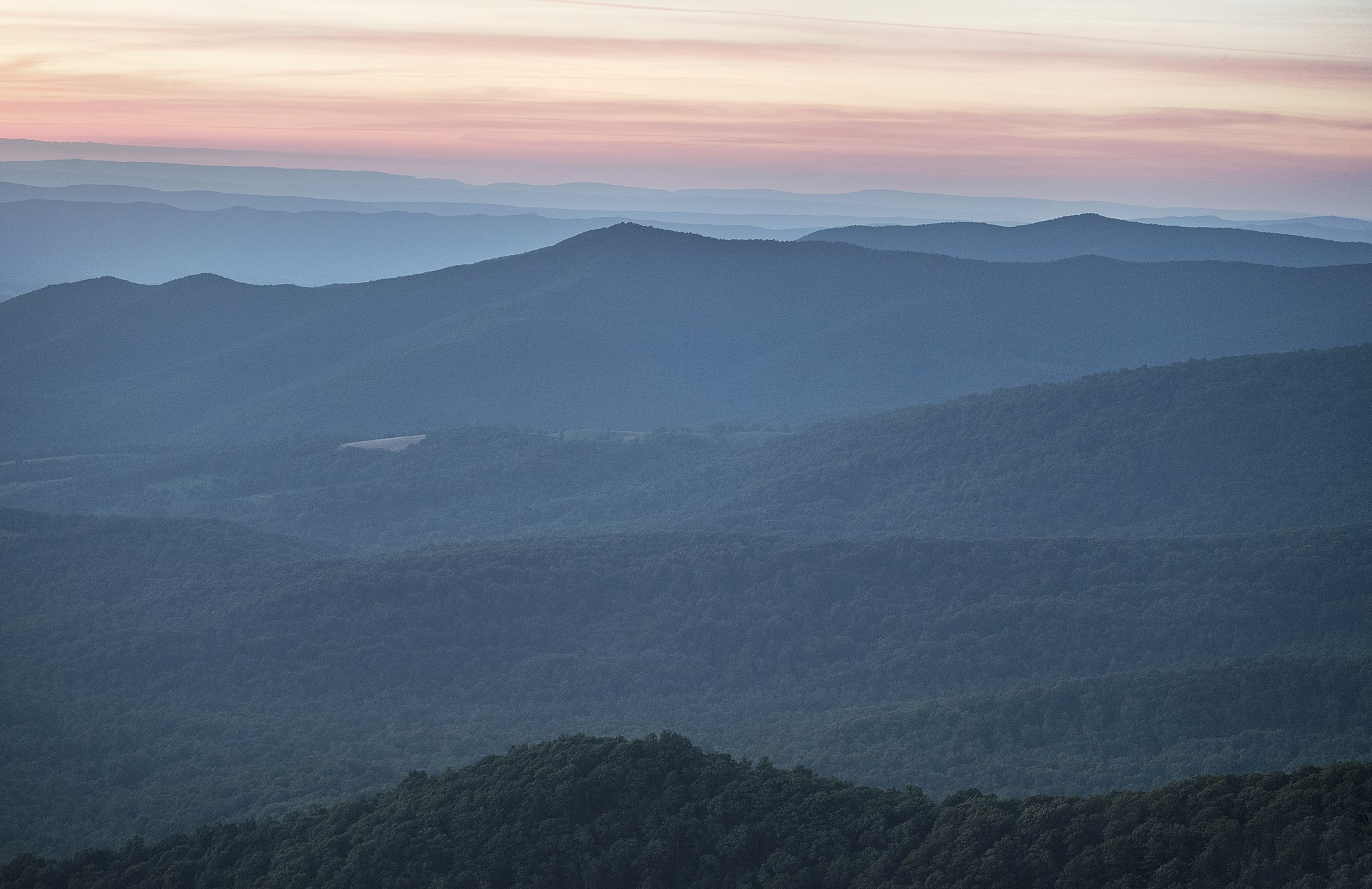 Sunset_View_from_Skyline_Drive_in_Shenandoah_National_Park