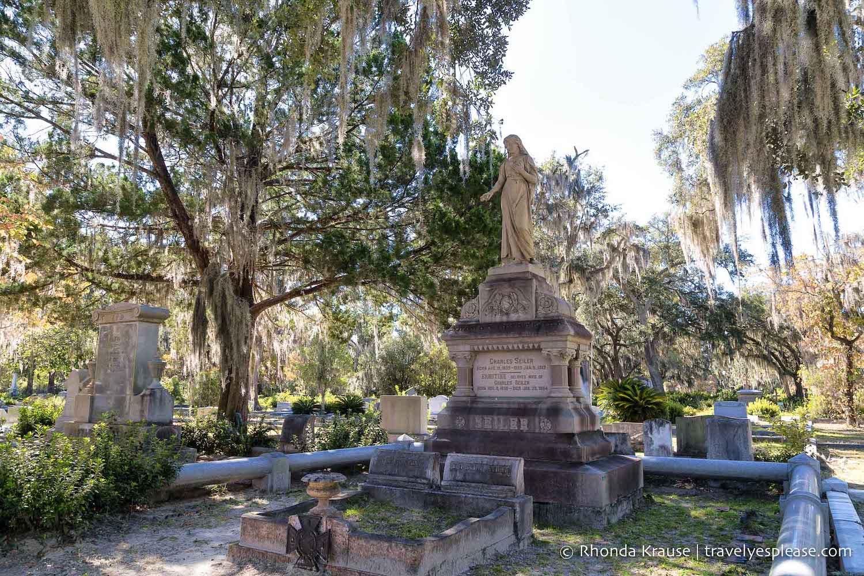 Graves in Bonaventure Cemetery in Savannah, Georgia